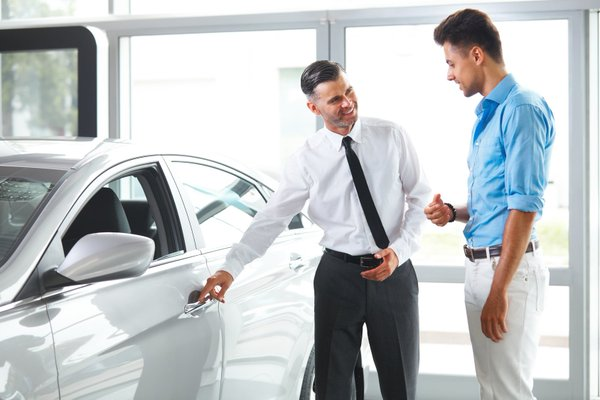 car salesman salary