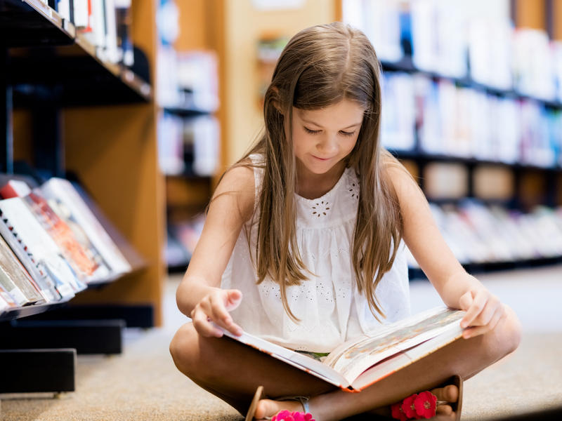 children reading essay Essay on importance of reading but with the cinema and television taking up a great deal of attention of children, teenagers and even adults, the habit of.